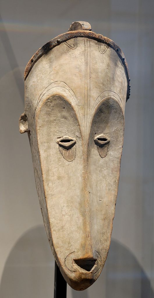 65381657 529px fang mask louvre mh65 104 1